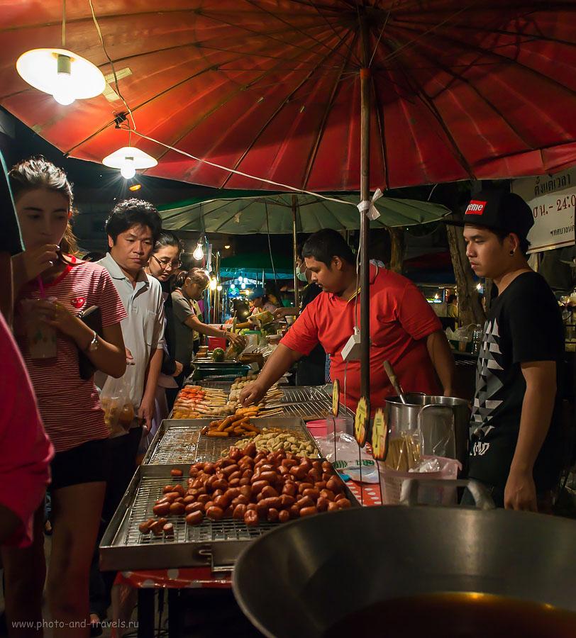 Фотография 6. Вкусно! Деликатесы на ночном рынке в городе Пхитсанулок. Поездка на отдых в Таиланде в феврале 2015.  1/640