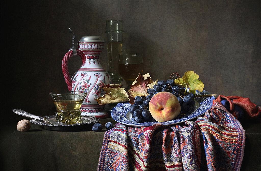 Персик и виноград