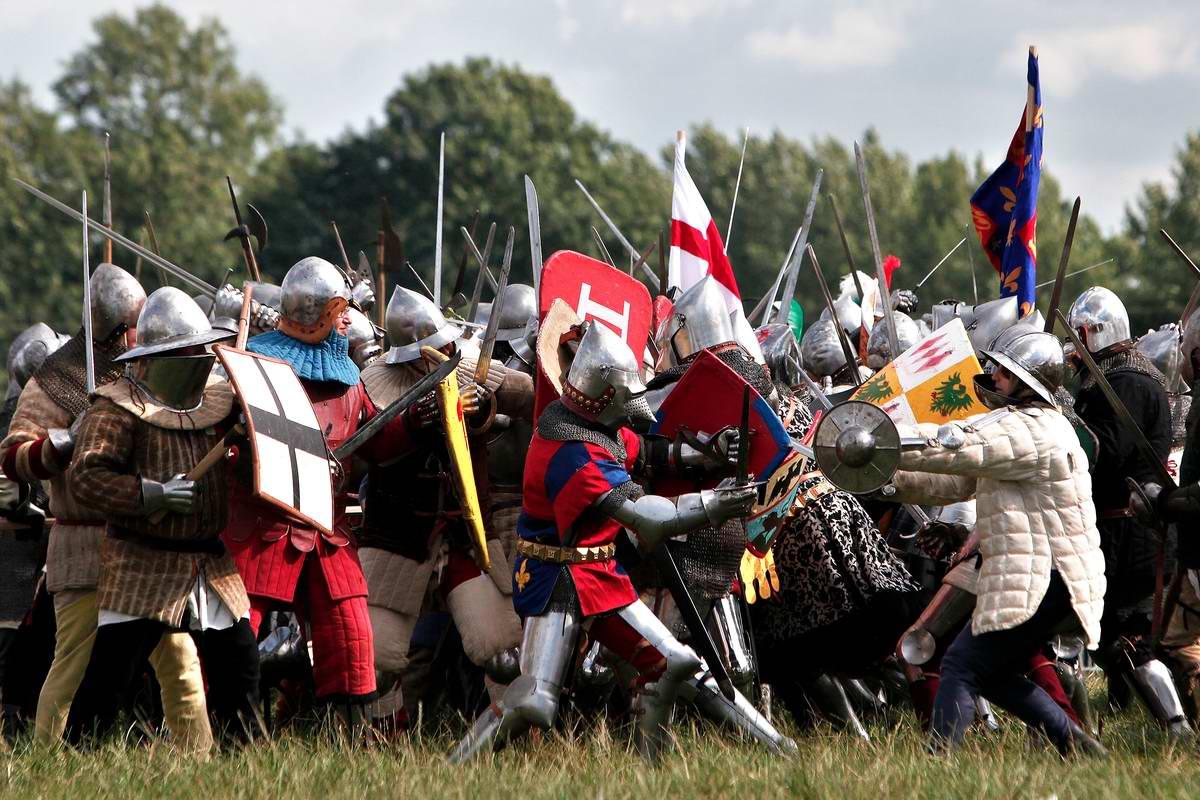 Эпизоды Столетней войны: Реконструкция битвы при Азенкуре в Северной Франции (8)