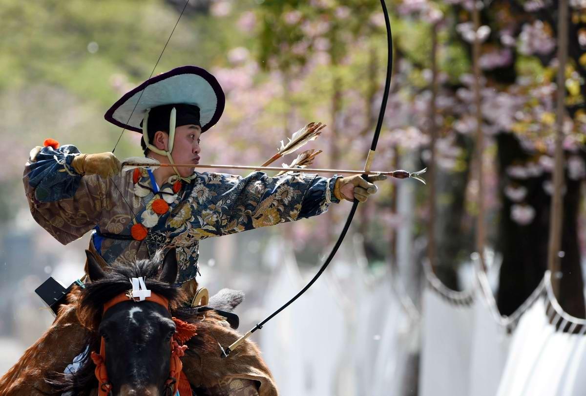 Стреляем из лука на полном скаку: Потомки японских самураев (10)