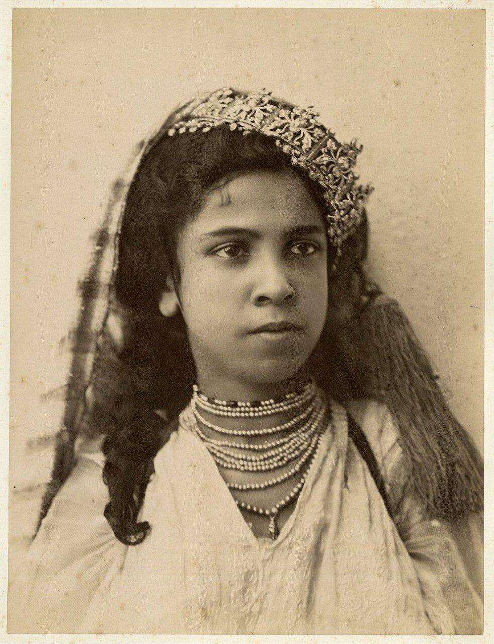Девушка Улед-Наиль