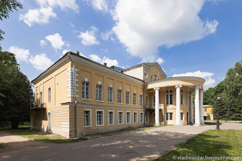Усадебный дом Волконских в Суханово