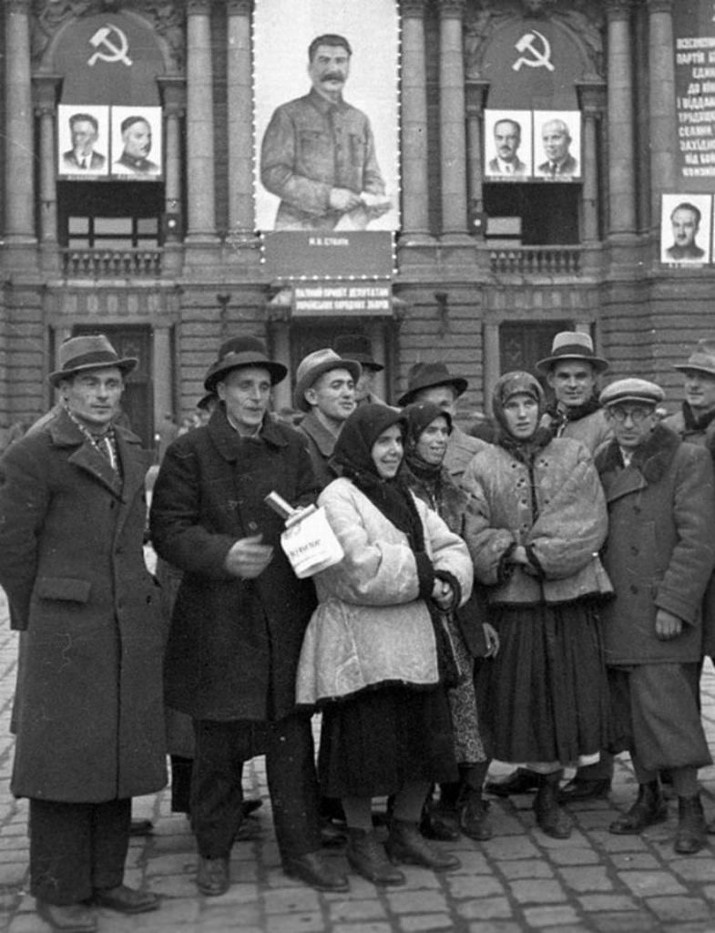 Делегаты Народного Собрания Западной Украины от театра.
