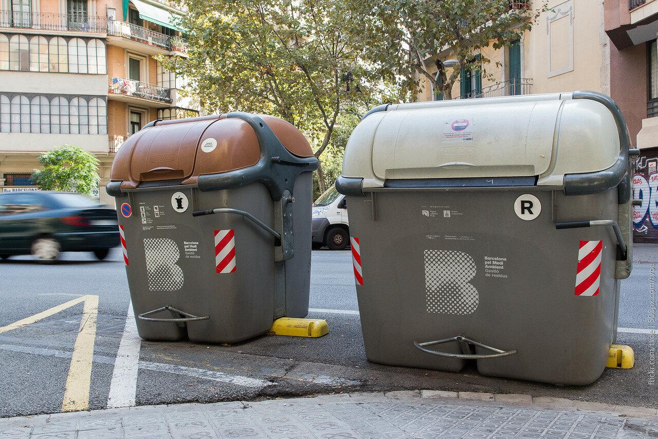 Контейнеры для раздельного сбора мусора в Барселоне