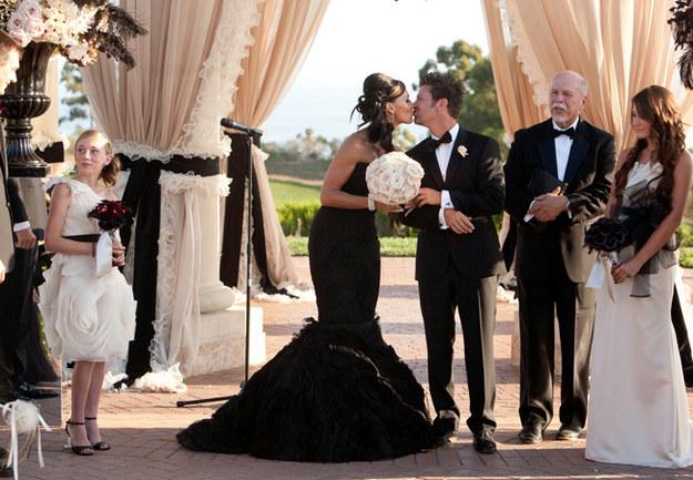 черное-свадебное-платье29.jpg