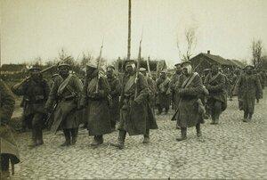 Солдаты одной из армейских частей на марше.