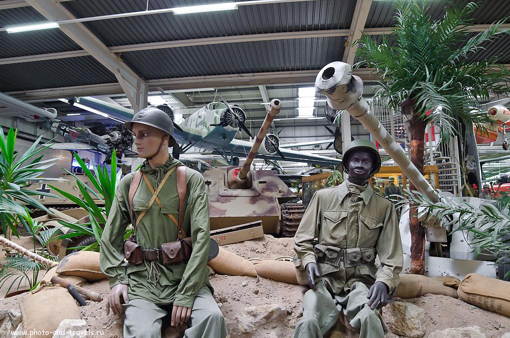 """15. Солдаты на привале. Поездка на экскурсию в музей военной техники """"Technik Museum Sinsheim"""" в Германии. (1/25 сек 0 eV f/4.5 14 мм 800)"""