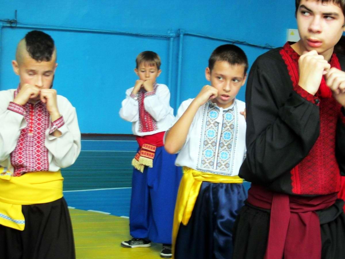 Квалификационный групповой экзамен в школе боевого гопака города Нетешин (Хмельницкая область) (27)
