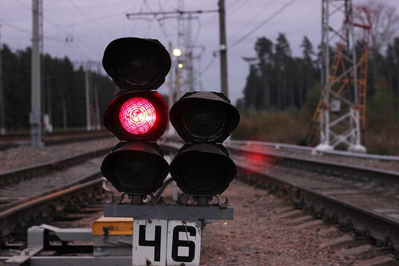 Светофор Ч6 на станции Нахабино
