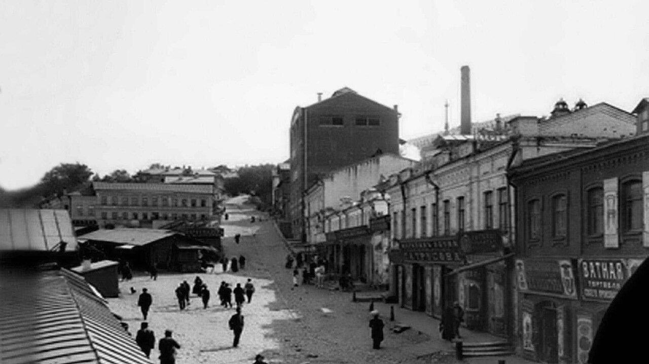 Улица Почаинская