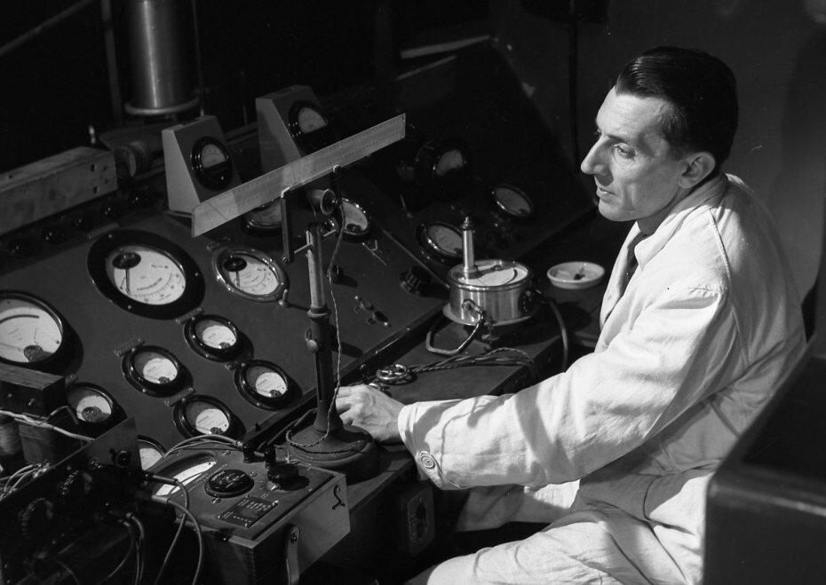 1942. Фредерик Жолио-Кюри из Коллеж де Франс