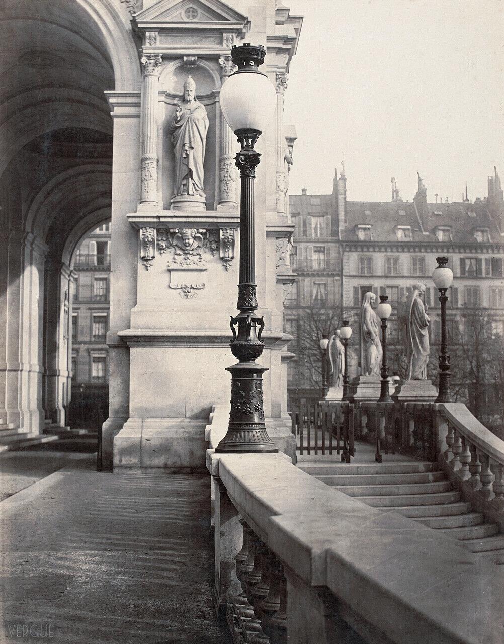 Газовый фонарь на Площади св. Троицы. 1868