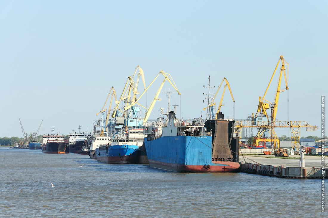 ролкер Композитор Гасанов в порту Оля