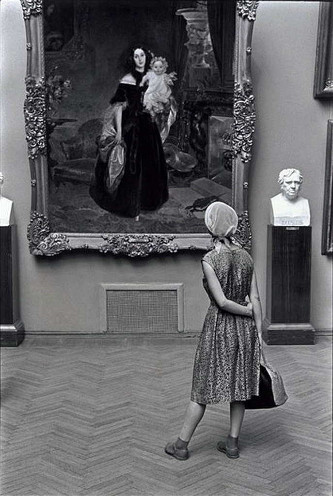 В Третьяковке.. 1965, Манос Константин