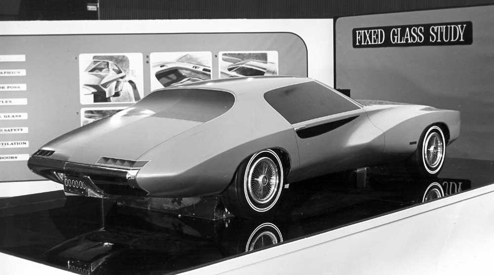This was a fixed glass study model. Looks like a Pontiac.jpg
