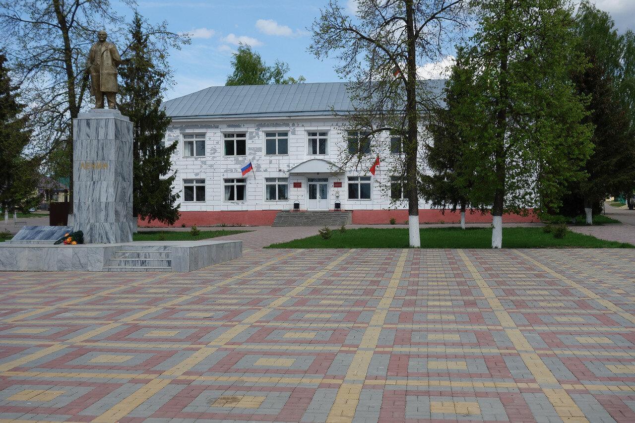 Ленин и админская района