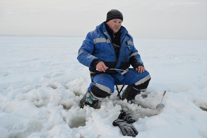 Зимняя рыбалка наокуня Нязепетровское водохранилище