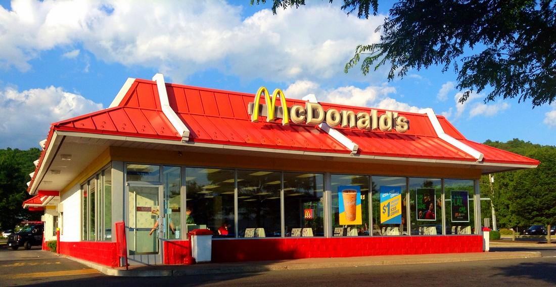 19. Каждые 14,5 часов корпорация McDonald's открывает новое заведение. (Mike Mozart/CC BY 2.0)