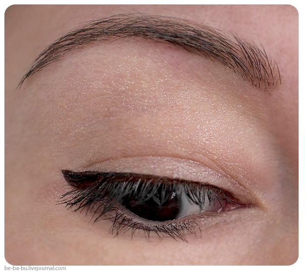 mac-lipstick-fashion-trip-studio-lash-review-swatch6.jpg
