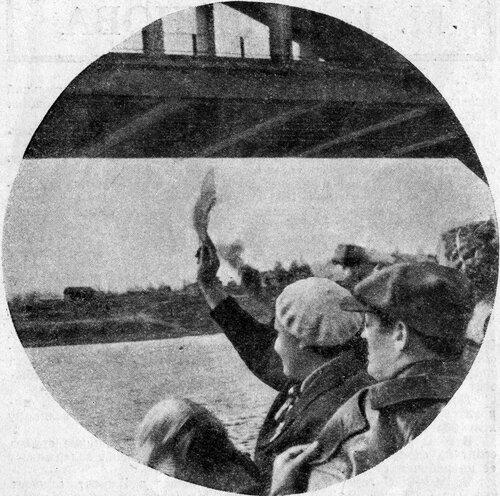 37 2 мая 1937 Химкинский жд мост. Журнал 'Огонёк' 1937 №16-17 (20 июня). Фото П.Трошкина.jpg