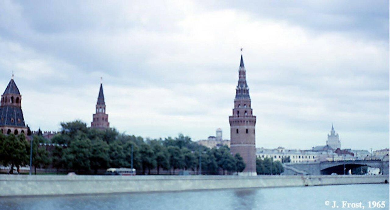 1965. Москва. Вид Кремлевской набережной