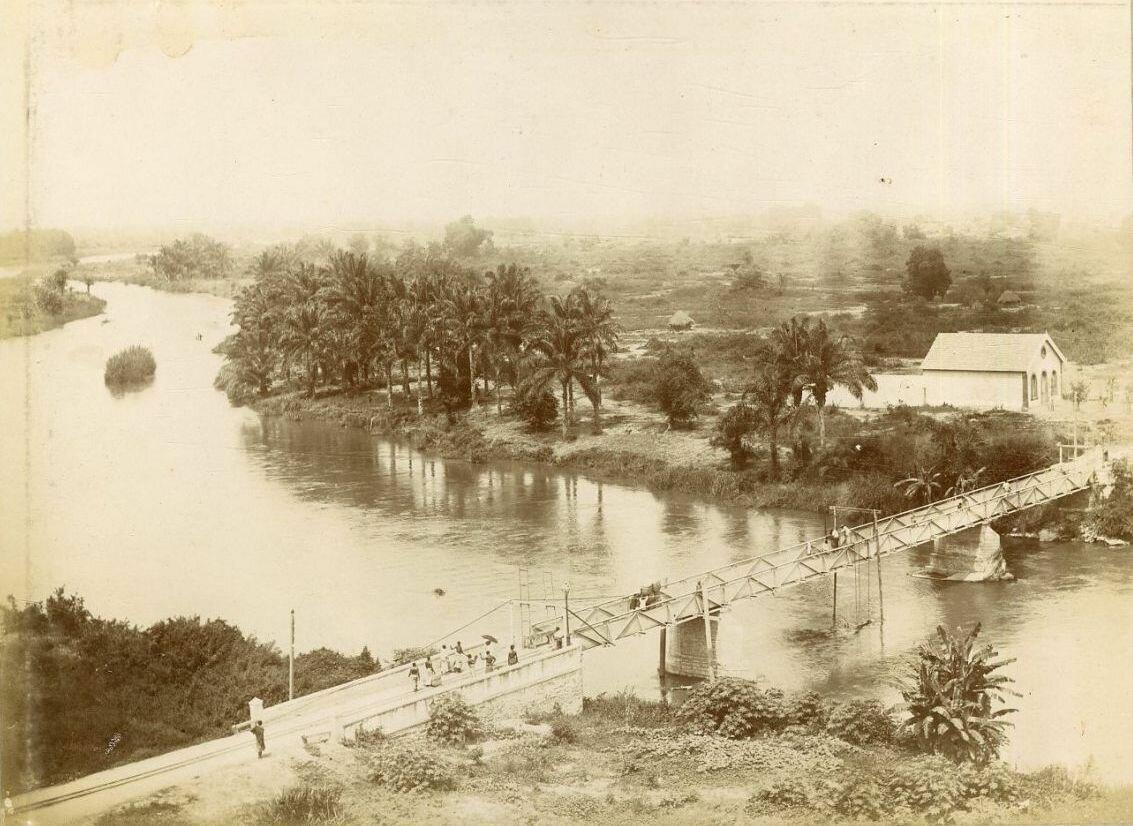 Катамбела. Мост через реку