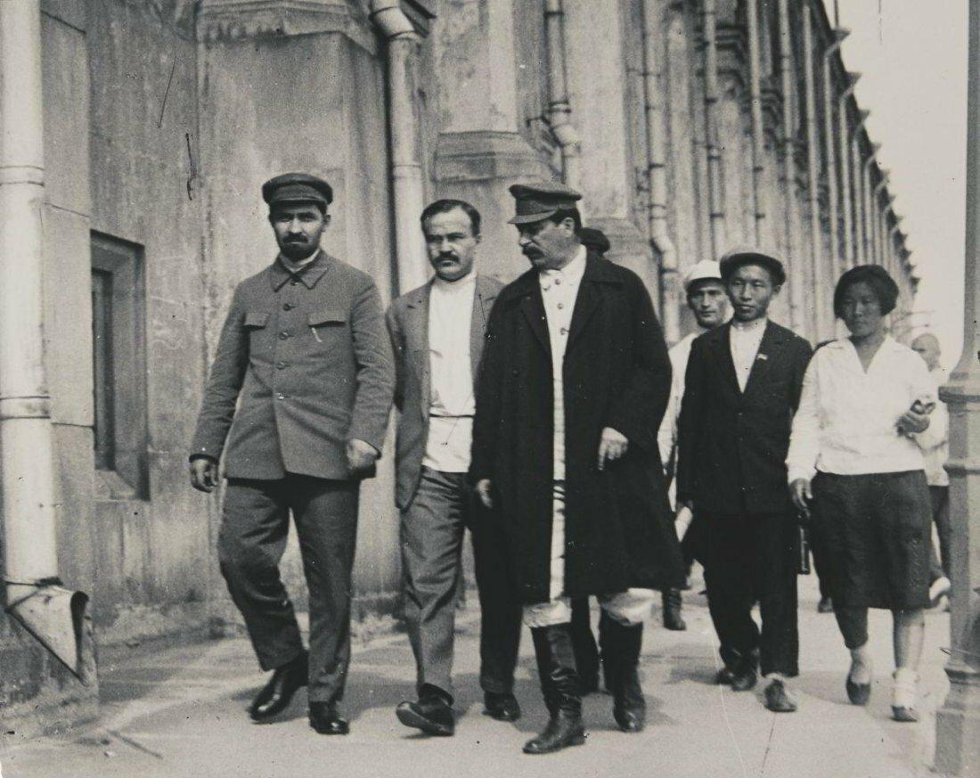 1930. Георгий Георгиевич Петрусов. Иосиф Сталин и Вячеслав Молотов в Кремле
