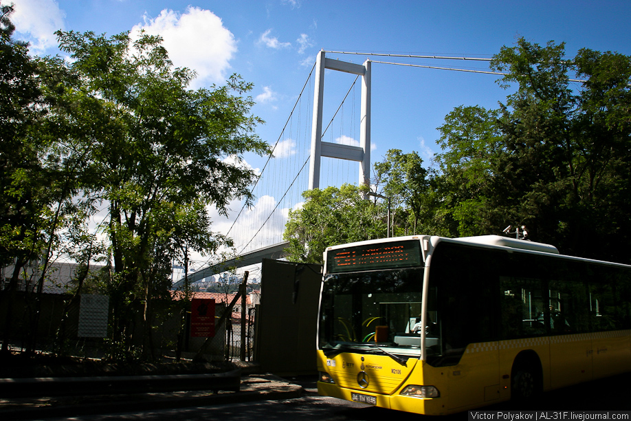 Стамбул. Мост в Европу