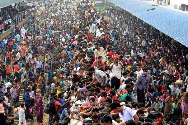 поезд в индии много людей