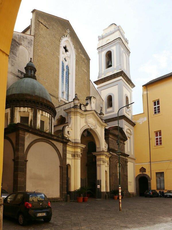Неаполь. Большая церковь Святого Доменика (San Domenico Maggiore)