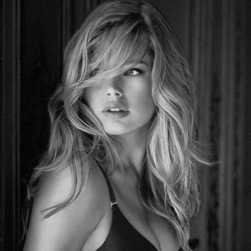 8. Блондинка