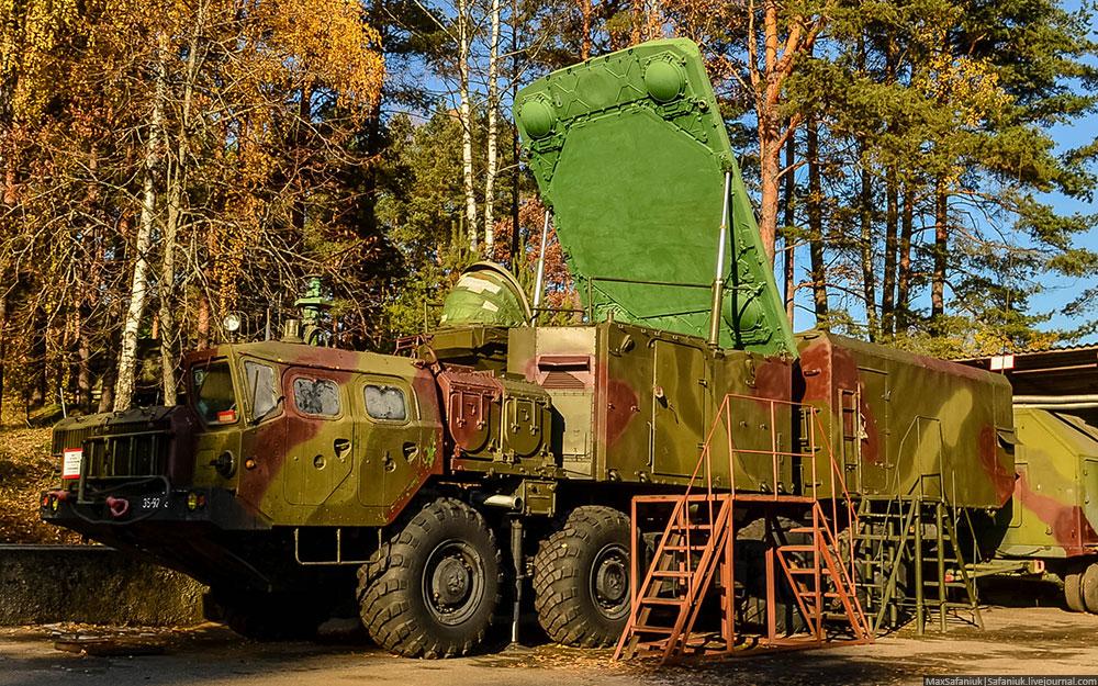 Командный пункт 5Н63С c радиолокационной станцией подсвета комплекса С-300ПС