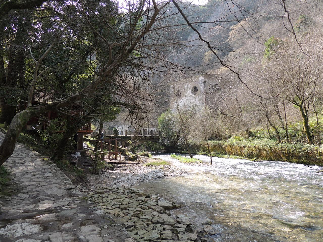 Абхазия Новый Афон Парк река 14 марта 2015 г., 16-036.JPG