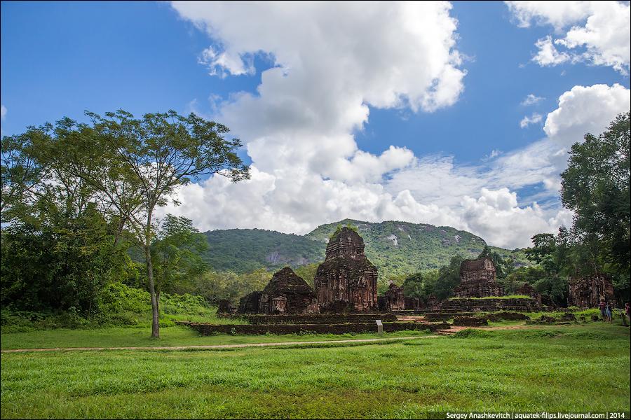 Развалина храма Мишон