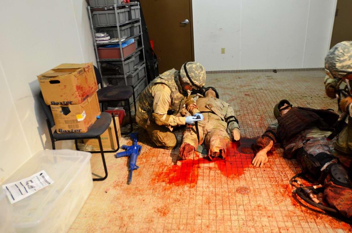 Посреди окровавленных трупов: Специальная подготовка спецназа береговой охраны США (1)