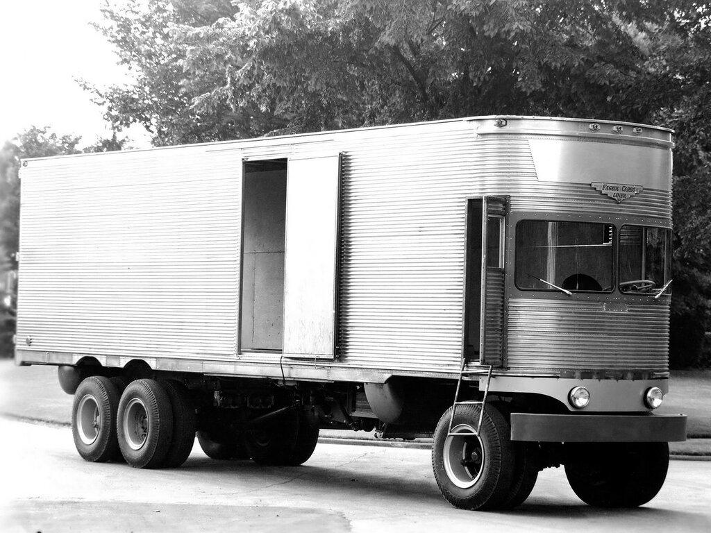 Fageol TC CargoLiner '1950 1.jpg
