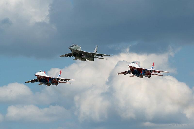 Микоян-Гуревич МиГ-29УБ (RF-92265 / 34 красный) D800309