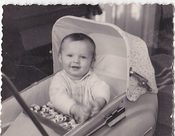 Ребенок в коляске. 1966 год.