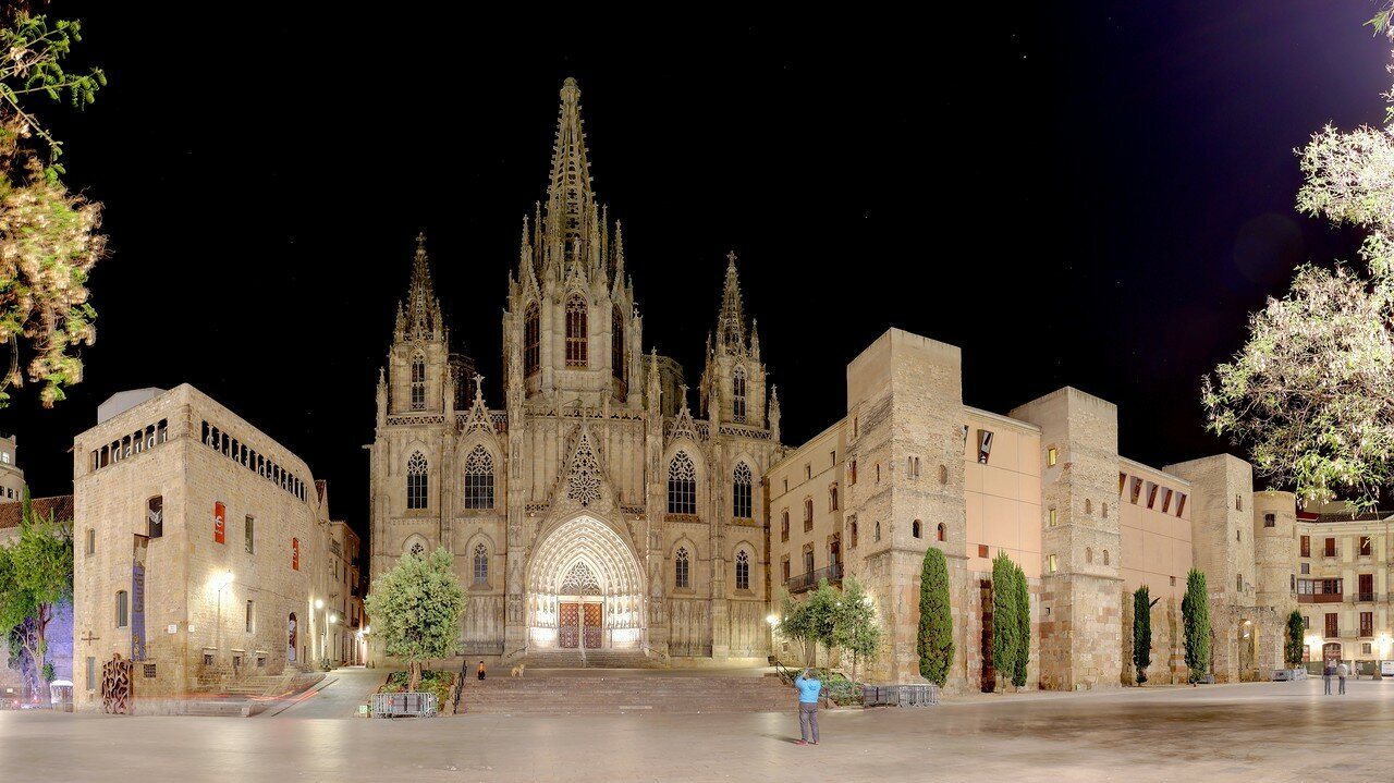 Barcelona. Seu square, the Cathedral and the Archdeacon's house.