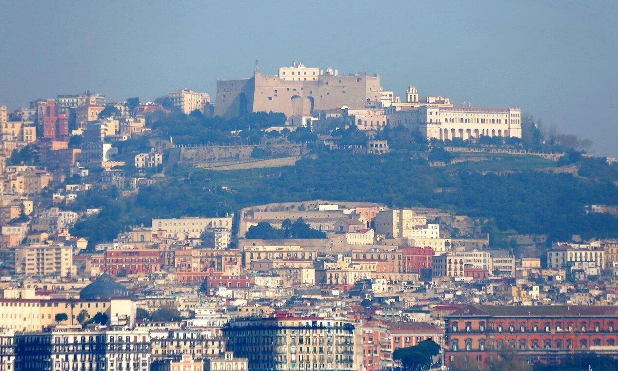 Замок Святого Эльма (Castel Sant'Elmo) и монастырь Сан-Мартино (Certosa di San Martino)
