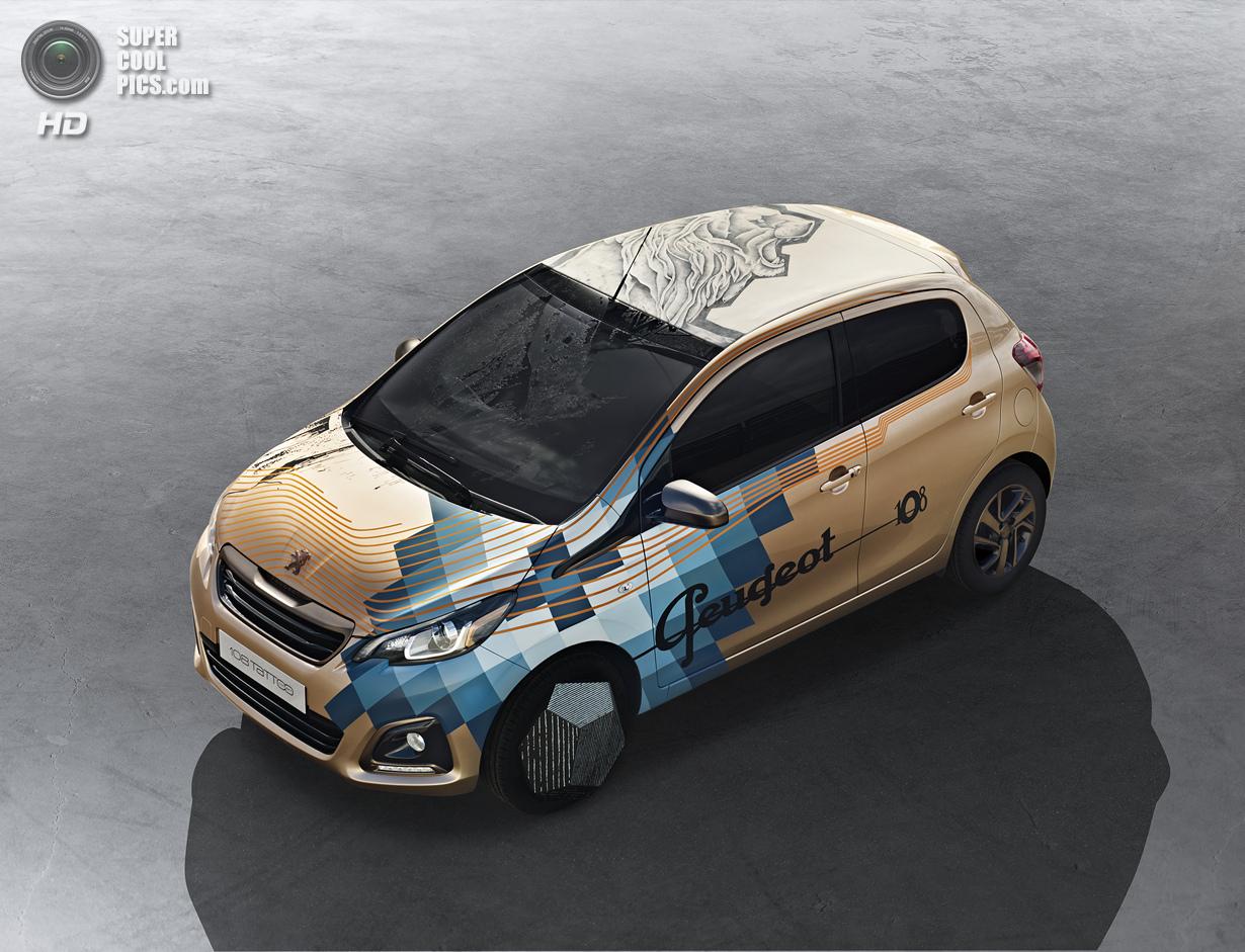 Автомобиль с татуировкой льва