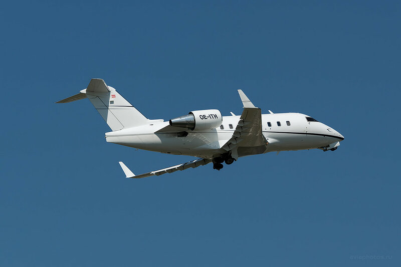 Bombardier CL-600-2B16 Challenger 604 (OE-ITH) MAP Executive Flightservice D809518