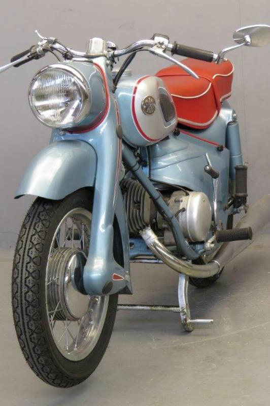 Victoria-1955-KR21-Swing-6.jpg