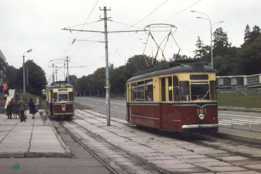 Трамвайная остановка у Центрального универмага (1978 год)