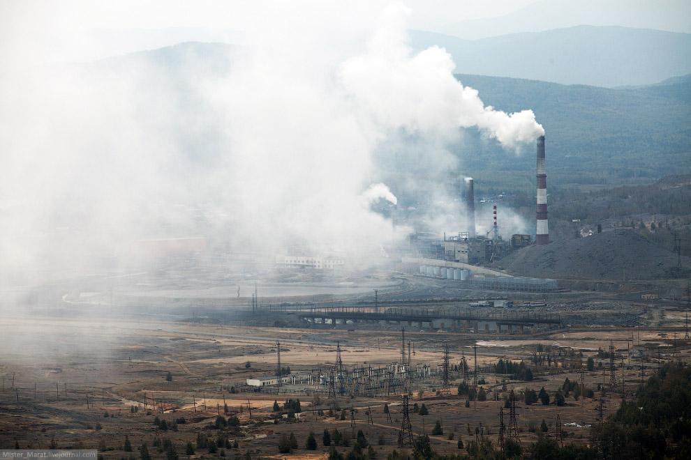 3. От выбросов и отходов на прилегающей земле ничего не растёт. Если мощные выбросы от завода понесё