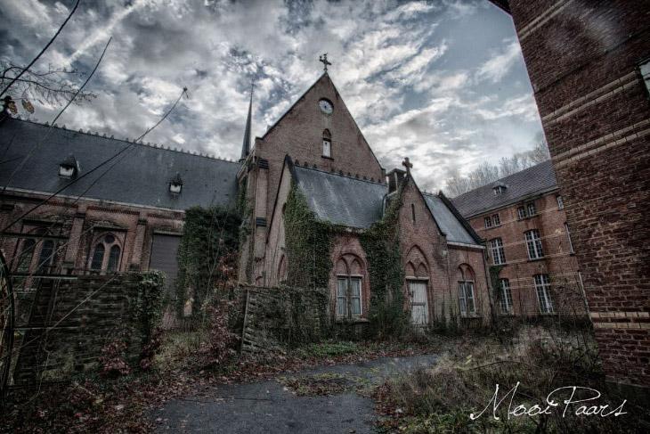 Заброшенная психиатрическая больница в Бельгии (15 фото)
