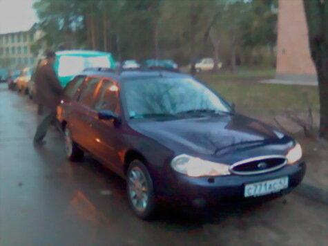 Семью Антона выручает Ford Mondeo