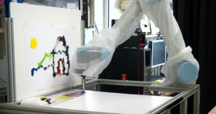 Рисуем картины взглядом при помощи робо-руки