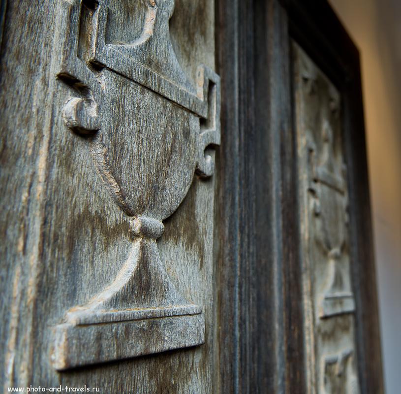 12. Резные двери в Hessenpark