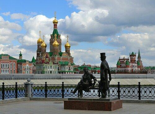 Йошкар-Ола. Памятник Пушкину и Онегину
